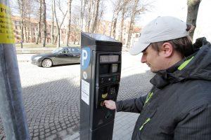Rinkliava už automobilių stovėjimą gyventojams brangs mažiau