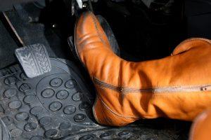 Pirkėjų dėmesiui: batus galima grąžinti į parduotuvę ir po pusantrų metų