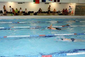 Gyventojai kviečiami į baseiną
