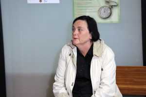 Moterį nuteisė už recepto psichotropiniams vaistams neišrašiusios sesers sužalojimą