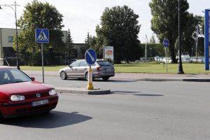 Ieškoma žmogų partrenkusi ir pabėgusi vairuotoja