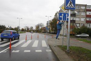 Vairuotojai nustebę: Kretingos gatvėje – ženklinimo painiava