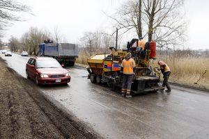Dėl kelio remonto – eismo trikdžiai