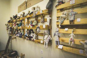 Lėlių muziejaus paslaptys – universitete