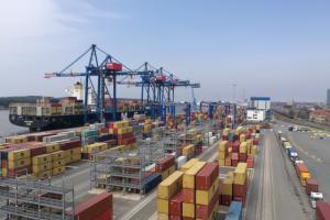 Uostas – patrauklus didiesiems konteineriniams laivams