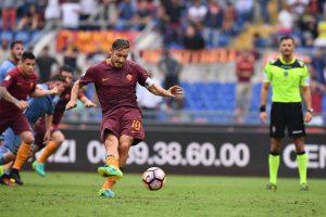 """""""Roma"""" vienuolikė Italijos futbolo elite pakilo į trečią vietą"""