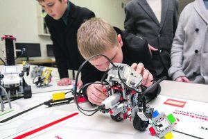 Mokyklose – naujos priemonės ir laboratorijos