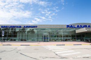 Palangos oro uoste – pirmasis karatė egzaminas ant kilimo ir tūpimo tako