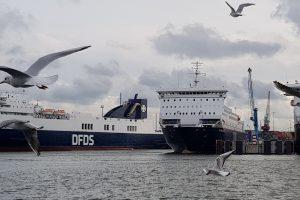 Keltuose Baltijoje daugėja keleivių ir prekių