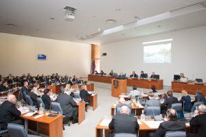 Darbas Vilniaus miestui – ne vilkas, į mišką nepabėgs (tarybos narių pravaikštos)