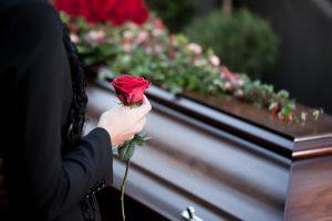 Pradėtas tyrimas dėl po avarijos Kelmės rajone sukeistų kūnų