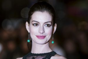 Aktorė A. Hathaway pagimdė berniuką