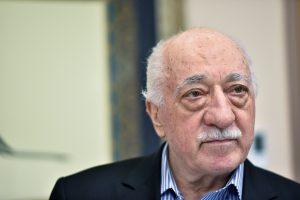 Turkija konfiskuos 187-ių su F. Gulenu susijusių verslininkų turtą