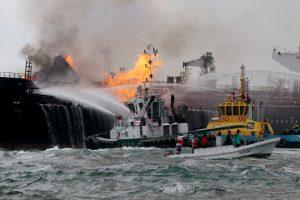 Meksikos įlankoje užsiliepsnojęs tanklaivis užgesintas
