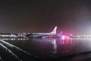 D. Trumpo bendražygio lėktuvas vos išvengė katastrofos