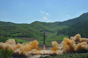 ES po Šiaurės Korėjos raketos bandymo svarsto galimybę plėsti sankcijas