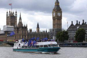 Nutekintas dokumentas: Britanija planuoja apriboti migrantų iš ES skaičių
