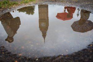 7 iš 10 britų priversti keisti gyvenimo būdą, kad galėtų susimokėti už būstą
