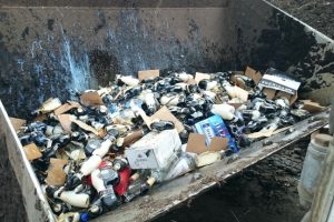 Muitinė sunaikino beveik 3000 litrų nelegalaus alkoholio