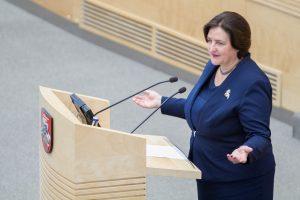 L. Graužinienė siūlo sumažinti išeitines Seimo nariams