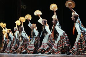R. Karbauskis: vaikams bus dovanojami stilizuoti tautiniai drabužiai