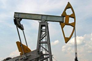 Naftos kainos kils ar kris?