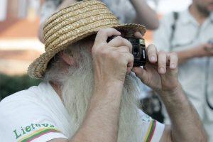 Žmogaus plaukuotumo mįslė: kodėl netekome kūno plaukų?