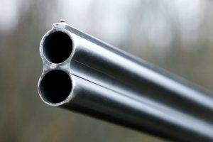 Girtas maskvietis medžiokliniu šautuvu iššaudė devynis žmones