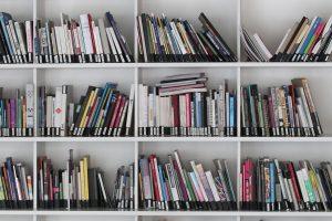 Dirbant knygyne tenka gelbėti žmones