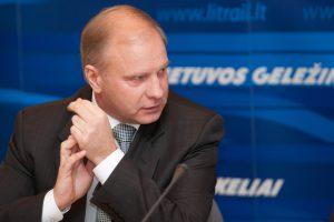"""Ministras nežinojo apie įtarimus """"Lietuvos geležinkelių"""" direktoriaus pavaduotojui?"""