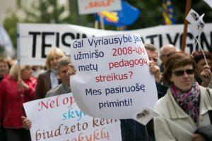 Pedagogai: premjeras A. Butkevičius pademonstravo cinizmo viršūnę