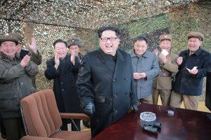 Šiaurės Korėja grasina branduoliniu smūgiu