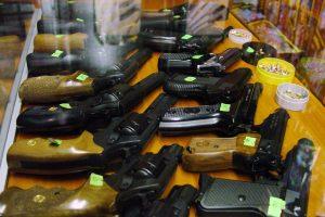 Klaipėdiečiai neskuba legalizuoti ginklų
