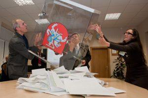Bus renkami parašai surengti referendumą dėl tiesioginių merų rinkimų