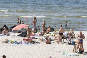 Girtuoklius iš paplūdimio išsivežė policija