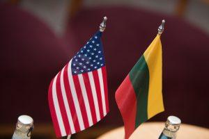 JAV panaikinus muitus, daugiausiai ūgtelėtų Lietuvos BVP