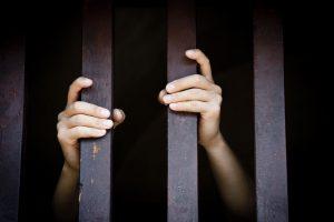Jauniesiems reketininkams gresia kalėjimas