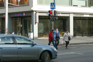 Žalias signalas pėsčiųjų saugumo negarantuoja