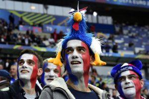 """""""Euro 2016"""" sėkmė – eilės į stadionus"""