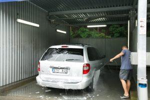 Kaune kavines keičia automobilių plovyklos