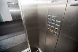 Ar galima atsisakyti mokėti už liftą?