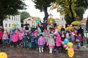 Miesto vaikai dalijosi šypsenomis