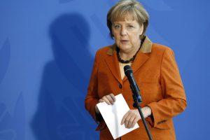 """Vokietijos kanclerė: """"Islamo valstybė"""" kelia žiauriausią grėsmę regionui"""