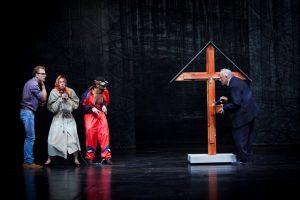 """Kauniečių darbai – tarp """"Auksinių scenos kryžių"""