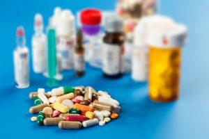 Kokias mirtinas klaidas darome vartodami vaistus?