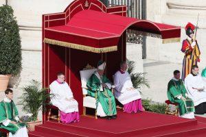 Popiežius Pranciškus paskyrė 17 kardinolų
