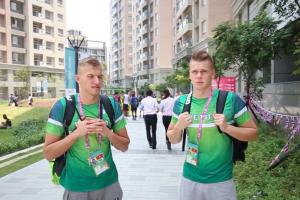 Plaukikai A. Šidlauskas ir D. Rapšys pateko į universiados finalą