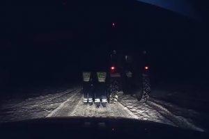 Policininkui teko vairuoti girto ūkininko traktorių
