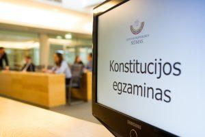Gyventojai raginami pasitikrinti žinias Konstitucijos egzamine