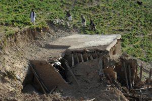 Tadžikistane per žemės drebėjimą žuvo mažiausiai du žmonės